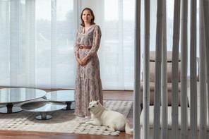 Angélique Sabron a rapporté d'Italie ce lustre en verre de Murano. (Photo: Romain Gamba / Maison Moderne)