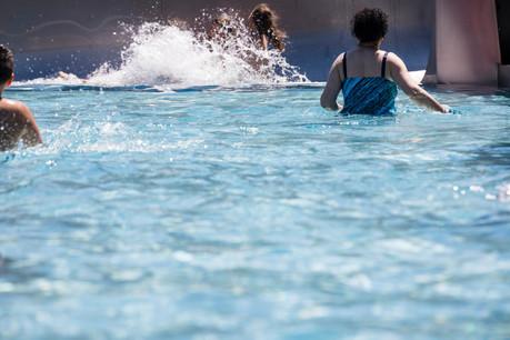 Plusieurs piscines sont ouvertes. Mais les conditions d'accès peuvent grandement varier de l'une à l'autre. (Photo: Caroline Martin/Archives)
