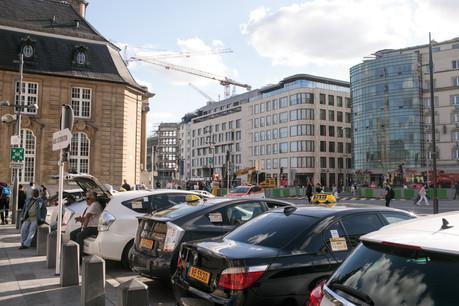 Les entreprises de taxis pourront bénéficier des outils d'un plan de maintien dans l'emploi jusqu'à la fin de l'année. (Photo: Matic Zorman/Maison Moderne)