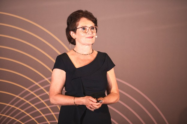 Yvonne O'Reilly (Avanteam) VERJUS SIMON, Maison Moderne Publishing SA