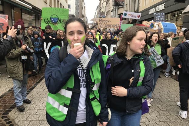 Les jeunes manifestants souhaitent que les enjeux climatiques soient gérés «comme une crise par le gouvernement». (Photo: Paperjam)