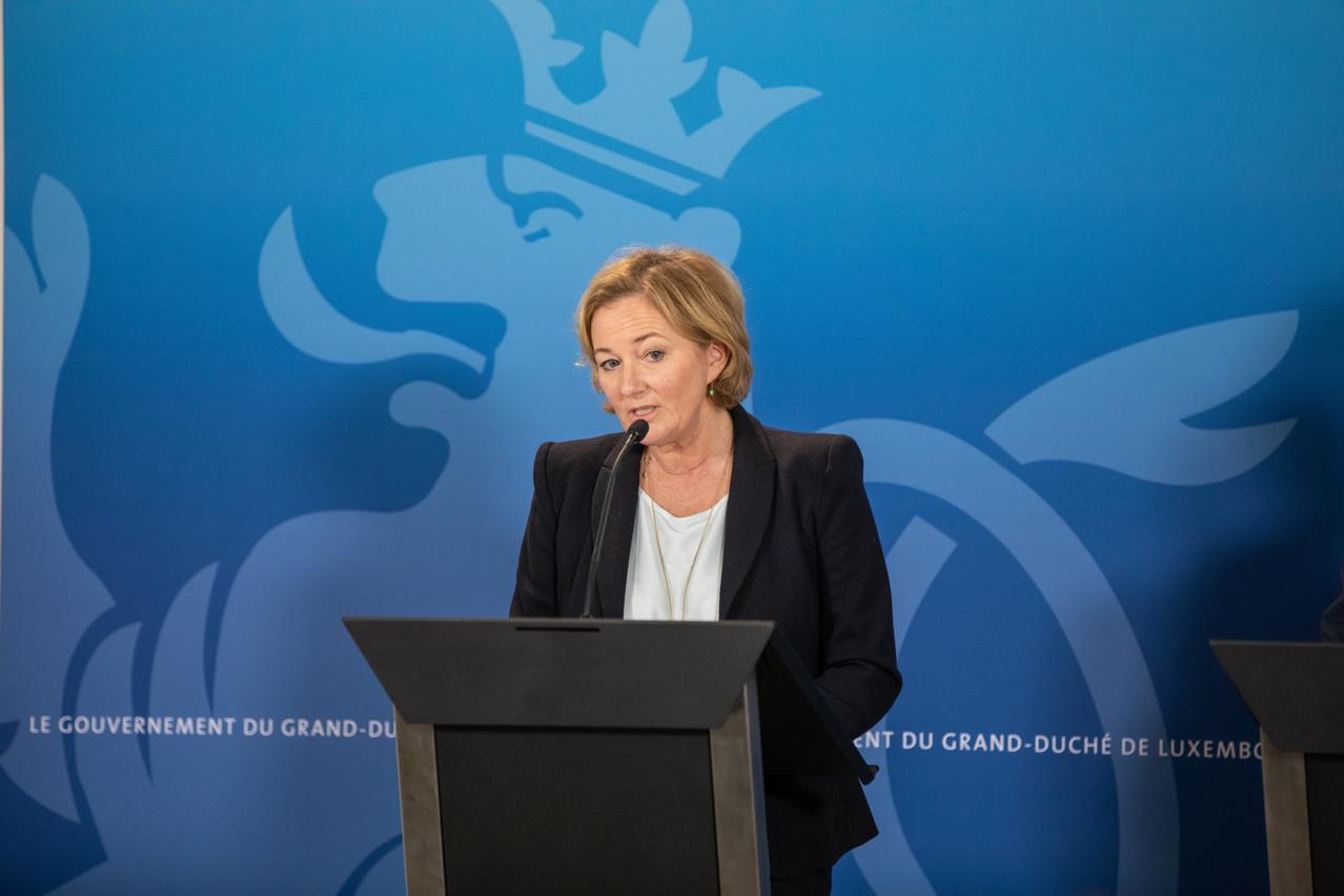 La ministre de la Santé, PauletteLenert, considère que l'efficacité des mesures «drastiques» mises en place pourra être évaluée d'ici deux semaines. (Photo: Romain Gamba / Maison Moderne)