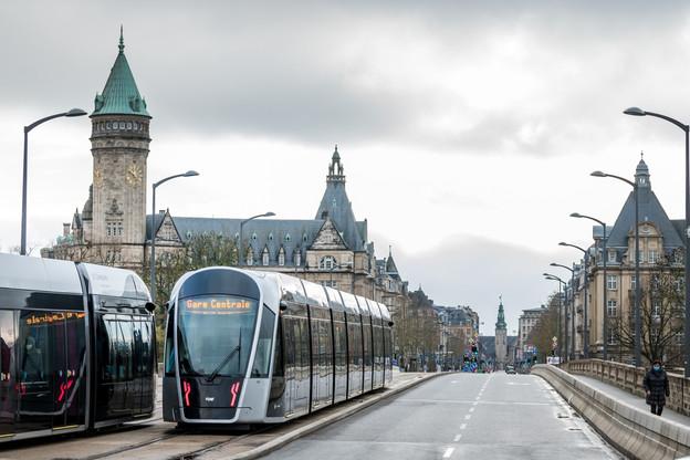 Ces dernières semaines, le tram a enregistré des pics à 42.000 passagers par jour. (Photo: Nader Ghavami / Maison Moderne)