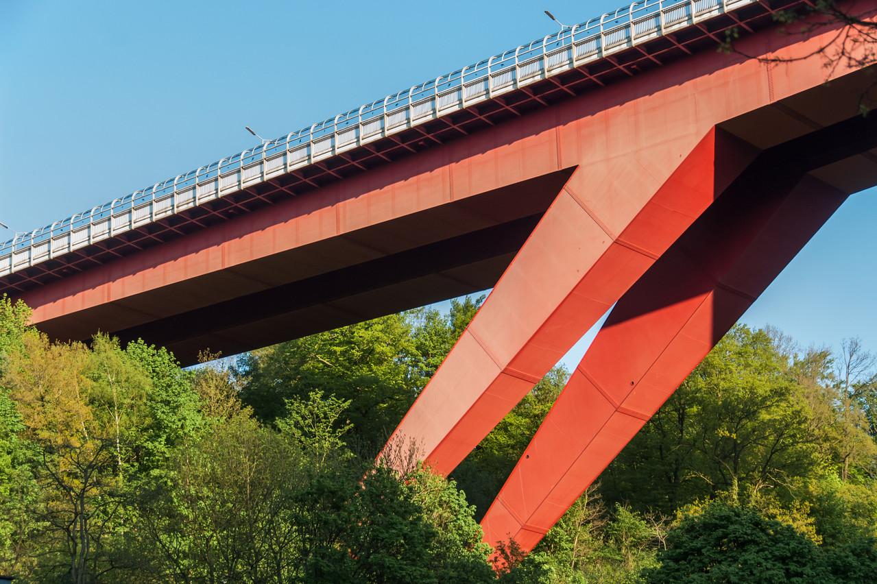 L'entreprise Nicoletta Lux, chargée des travaux de peinture du Pont Rouge, a été déclarée en faillite. (Photo: Shutterstock)