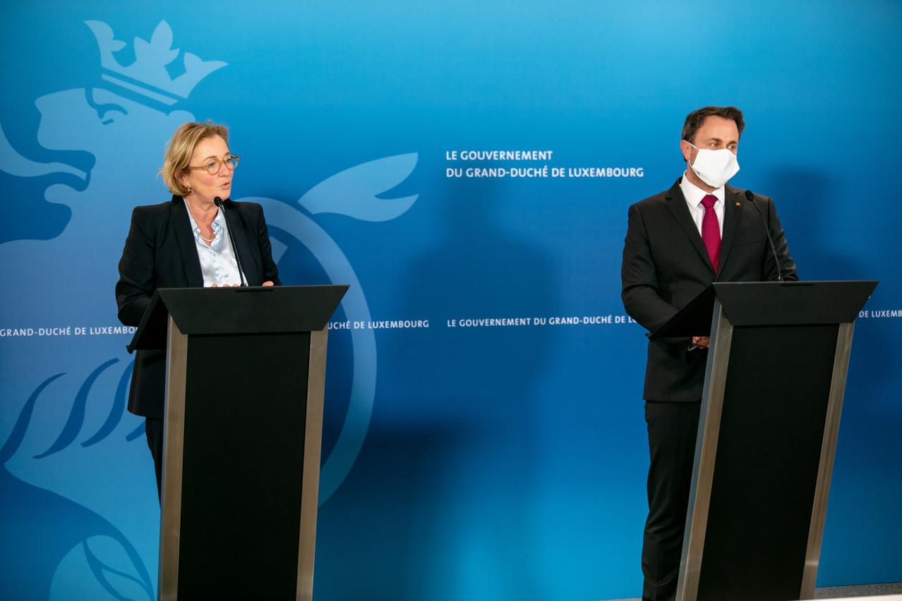 La ministre de la Santé Paulette Lenert et le Premier ministre Xavier Bettel ont fait le point, vendredi, à l'issue du conseil de gouvernement. (Photo: Romain Gamba / Maison Moderne)