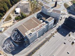 Ce grand volume est construit sur un ancien parking de surface. ((Photo: ÉtienneDuval))