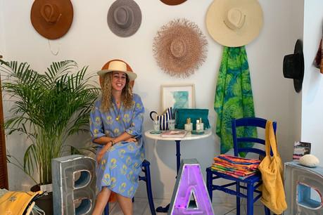 Après une carrière internationale, Maïté van der Vekene a décidé de partager ses souvenirs de voyages dans un pop-up store en plein centre-ville. (Photo: Paperjam)