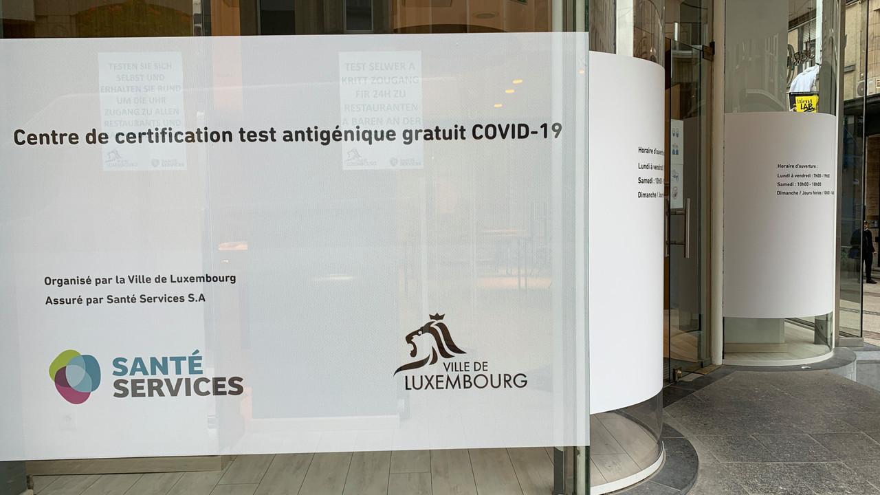 Autre pop-up store, autre offre: une station de test antigénique a ouvert au 95, Grand-Rue, à deux pas du centre Royal-Hamilius. (Photo: Maison Moderne)