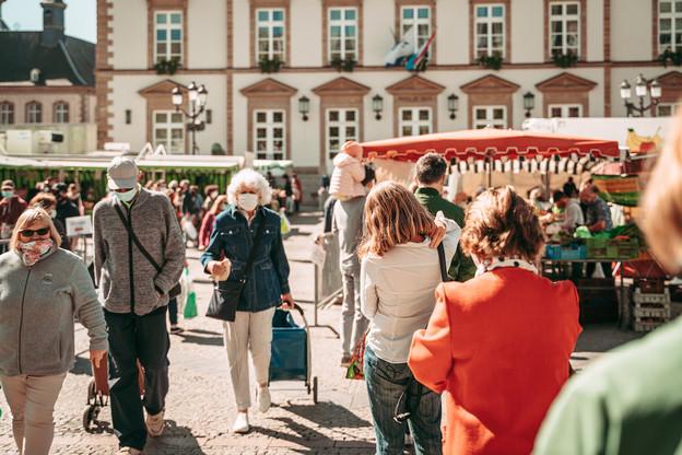L'obligation du port du masque se limite actuellement aux transports publics et aux activités qui accueillent un public et qui se déroulent en lieu fermé. Une obligation qui ne concerne pas les mineurs de moins de six ans. (Photo: Shutterstock)