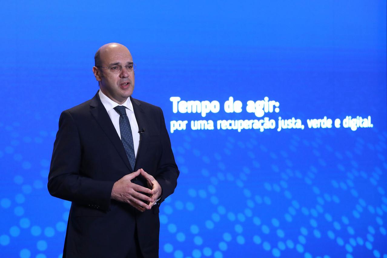 «Le débat d'aujourd'hui a ouvert la voie à une avancée prioritaire de la proposition de directive», s'est félicité le ministre portugais de l'Économie et de la Transition numérique,Pedro Siza Vieira. (Photo: Lusa pour le Conseil de l'UE)