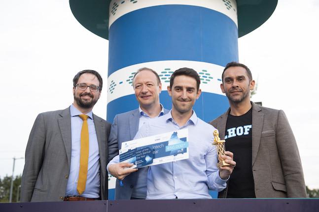 Tom Théobald (ministère des Finances), Pascal Denis (KPMG), Mathieu Cottin (Tokeny) et Nasir Zubairi (CEO de la Lhoft), mercredi soir, lors de la cérémonie de remise des prix des 4e Fintech Awards (Photo: Anthony Dehez)