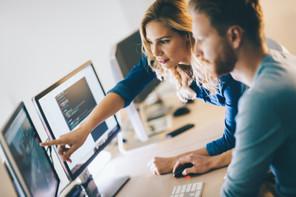 La digitalisation des acteurs financiers, confiée à des sous-traitants, a vu le nombre de demandes d'autorisation exploser. Et la CSSF de changer les règles du jeu pour gagner du temps. (Photo: Shutterstock)