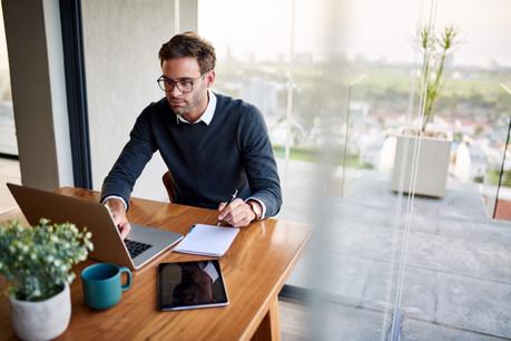 Les syndicats s'interrogent sur l'efficacité d'une recommandation générale au télétravail en temps de crise, sans règles précises à ce sujet. (Photo: Shutterstock)