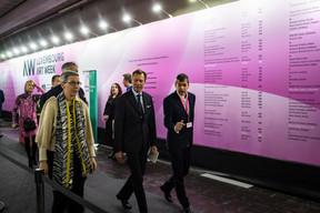 Sam Tanson (Ministre de la Culture), S.A.R. le Grand-Duc Henri et Alex Reding (Directeur de Luxembourg Art Week) ((Photo: Mike Zenari))