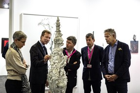 Sam Tanson (Ministre de la Culture), S.A.R. le Grand-Duc Henri, Alex Reding (Directeur de Luxembourg Art Week) et Jo Kox (Ministère de la Culture) ((Photo: Mike Zenari))