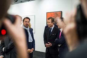 Xavier Bettel (Premier ministre), S.A.R. le Grand-Duc Henri et Alex Reding (Directeur de Luxembourg Art Week) ((Photo: Mike Zenari))