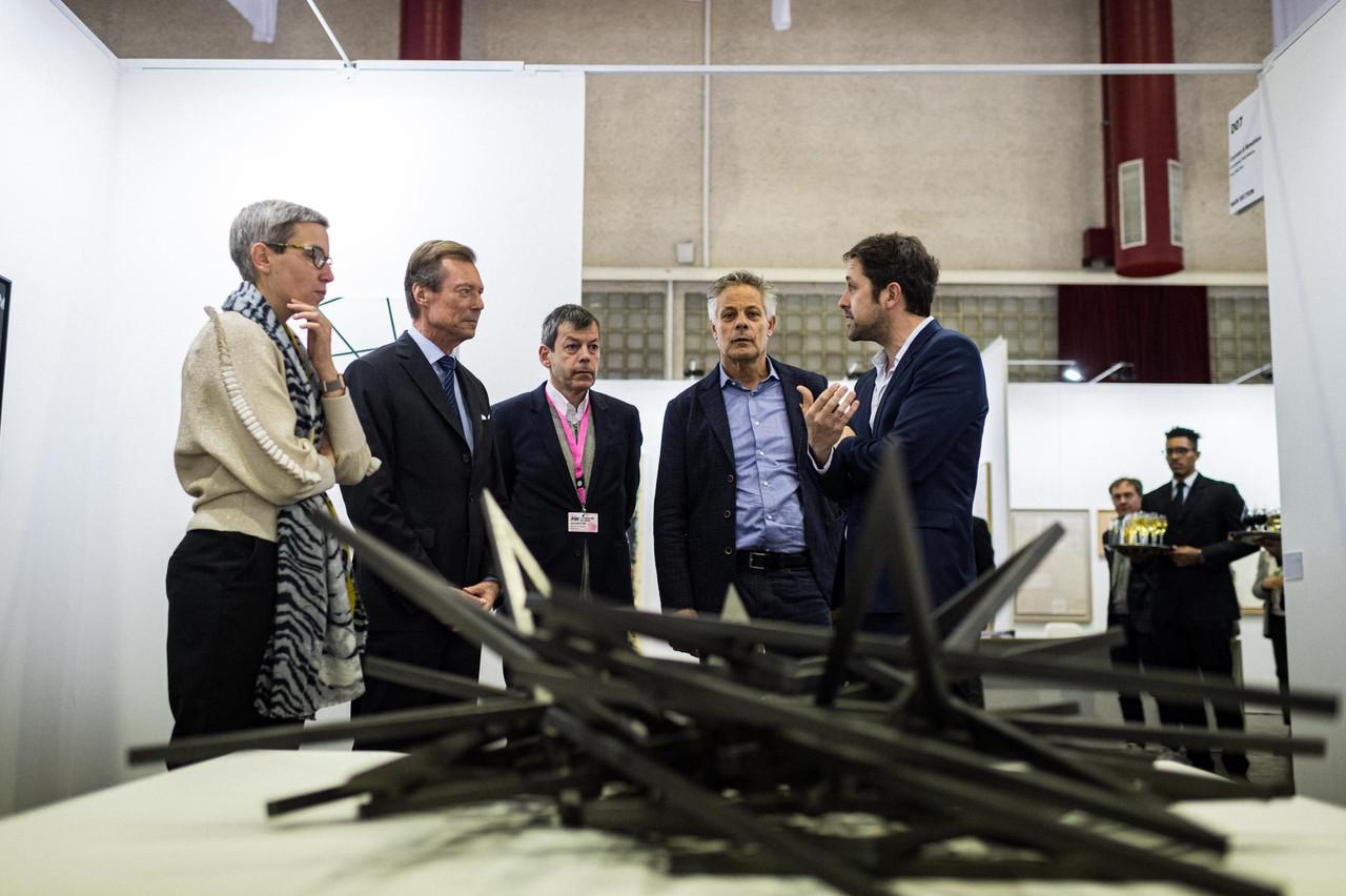 Sam Tanson (Ministre de la Culture), S.A.R. le Grand-Duc Henri, Alex Reding (Directeur de Luxembourg Art Week) et Jo Kox (Ministère de la Culture) (Photo: Mike Zenari)