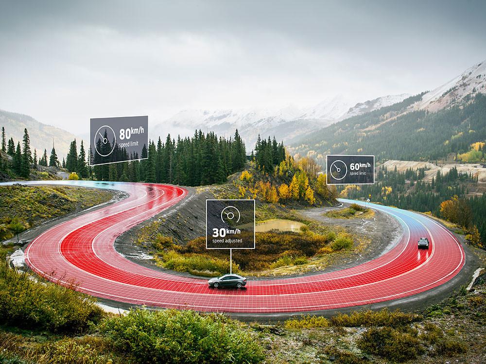 Alors que Google, Apple et Huawei se livrent une guerre sans merci autour de leurs services de localisation et de guidage, TomTom est déjà à l'étape suivante: la voiture autonome. Début juillet, la néerlandaise a présenté son nouveau système d'assistance à la réduction de la vitesse qui sera obligatoire en Europe dès 2022. (Photo: TomTom)
