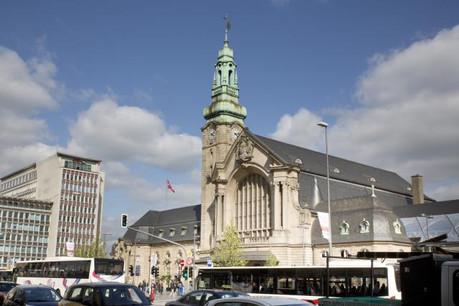 Les bus circulant depuis la place de la Gare vers le centre-ville sont déviés par l'avenue de la Gare et la rue Jean Origer, pour ensuite rejoindre leur itinéraire initial au niveau de la place de Paris. (Photo: Maison Moderne/Archives)