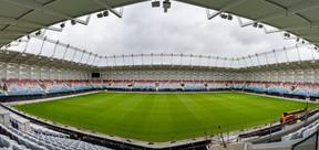 Ce stade de football et de rugby comprend un terrain de jeu avec 9.385 places assises couvertes. ((Photo: Caroline Martin))