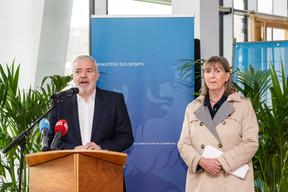 Le ministre des Sports, Dan Kersch (LSAP), et la bourgmestre de la capitale, Lydie Polfer (DP),lors de la conférence de presse sur l'avancement des travaux du nouveau stade national de football et de rugby. ((Photo: Caroline Martin))