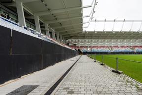 Le stade de football et de rugby comprend un terrain de jeu avec 9.385 places assises couvertes pour les spectateurs, des espaces VIP, des kiosques à nourriture, un business club avec cuisine, des salles et locaux pour la presse, des vestiaires, ainsi que toutes ses fonctions auxiliaires. ((Photo: Caroline Martin))