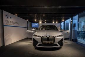 BMW mise gros sur la nouvelle iX, appelée à devenir le fleuron de sa gamme électrique. ((Photo: BMW/Diana Sellier))