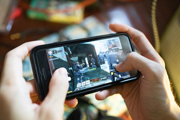 Avoir accès à la même qualité de connexion qu'à son domicile pour pouvoir jouer à un jeu en streaming, une révolution qu'embrassent Post et son partenaire Blacknut. (Photo: Shutterstock)