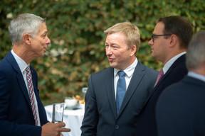 Au centre, Marc Hansen (Ministre de la Fonction publique) ((Photo: Anthony Dehez))