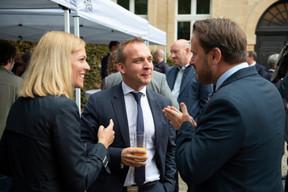 Taina Bofferding (Ministre de l'Intérieur), Paul Konsbruck (Chef de cabinet du Premier ministre)  et Xavier Bettel (Premier ministre) ((Photo: Anthony Dehez))