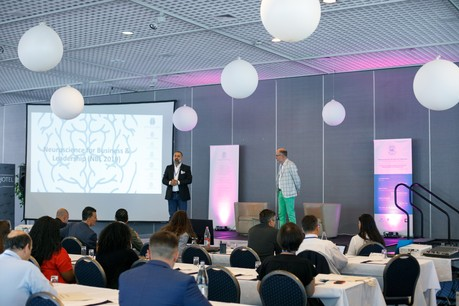 Khashayar Pazooki et Jean-Marc Kieffer ont ouvert cette journée de conférences axée sur la neuroscience. (Photo: Matic Zorman)