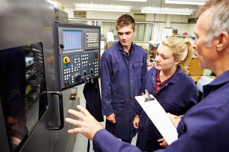 L'insertion des jeunes sur le marché du travail s'avère capitale en cette période de difficultés économiques. (Photo: Shutterstock)