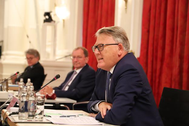 Nicolas Schmit a retrouvé pour deux heures les députés luxembourgeois aux côtés de son collègue à l'Économie. (Photo: Chambre des députés)