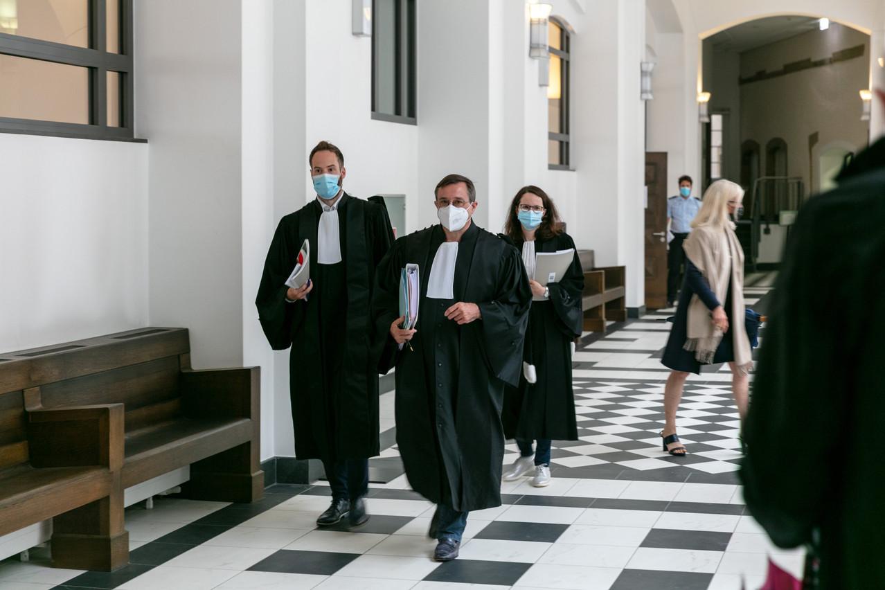 Le président de la 7echambre correctionnelle, StéphaneMaas (au centre), a jusqu'au 15 septembre pour déposer des conclusions écrites. (Photo: Romain Gamba/Maison Moderne)