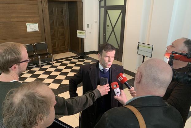 Les avocats de la défense, dont Me Laurent Niedner, fustigent un procès exagérément tardif et surtout dirigé contre les mauvais prévenus. (Photo: Paperjam)