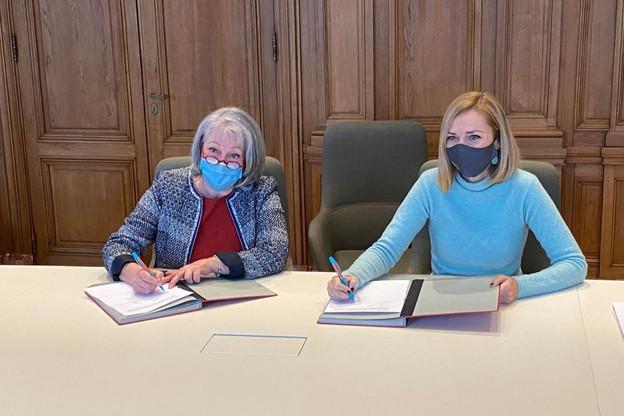 Virginie Giarmana, directrice de l'asbl Inter-Actions, et Taina Bofferding au moment de la signature de la convention. (Photo: SIP)