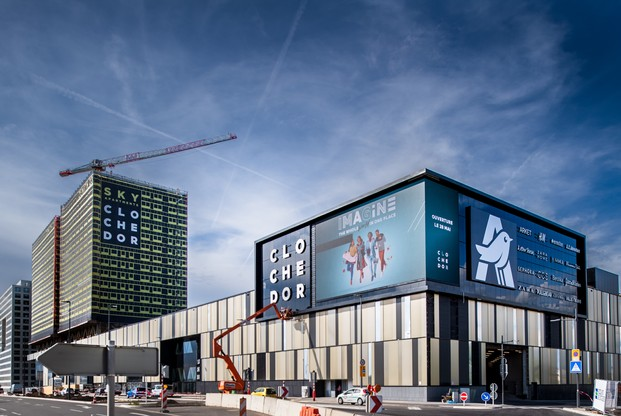Dernier-né – Le Cloche d'Or a ouvert ses portes le 28 mai dernier. Sur 75.000m2, il comprend un centre commercial Auchan et une centaine de boutiques. (Photo: Nader Ghavami)