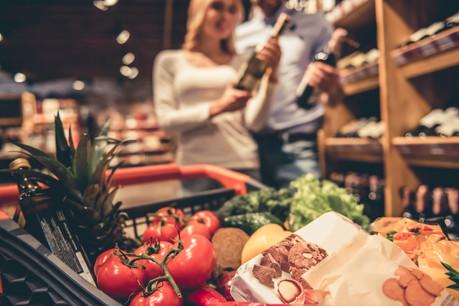 Nicolas Henckes: «Si le consommateur est fidèle à l'épicerie d'une certaine enseigne, il suivra l'enseigne le jour où il aura besoin de se rendre dans une grande surface pour d'autres achats.» (Photo: Shutterstock)