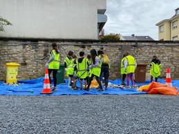 Primary school pupils sort litter collected in Limpertsberg Lycée Michel Lucius