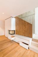 Dans la pièce à vivre, un ameublement sur mesure optimise l'espace. ((Photo: Johannes-Maria Schlorke))
