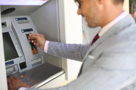 Les quatre grandes banques belges s'associent pour optimiser le positionnement géographique des distributeurs de billets. (Photo: Shutterstock)