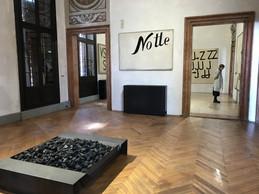 Vue de l'exposition de Jannis Kounellis à la Fondation Prada. ((Photo: Paperjam))