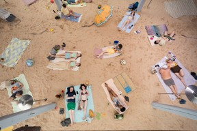 Vue de l'exposition «Sun & Sea (Marina)» (Andrej Vasilenko)