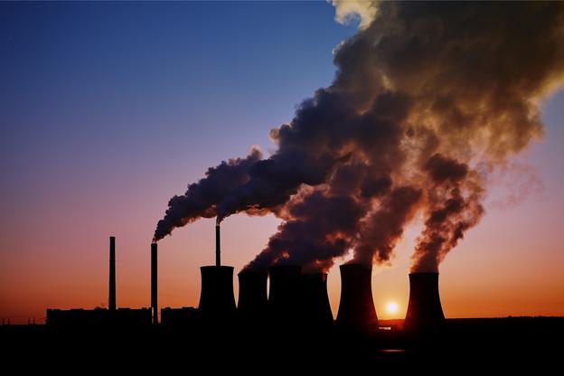 Les États doivent avoir le courage de ne pas aider le secteur des énergies fossiles pour assurer la transition énergétique. (Photo: Shutterstock)