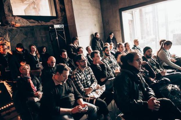 Les musiciens doivent réfléchir avec leur entourage au bon calendrier de promotion. (Photo: Noah Fohl)
