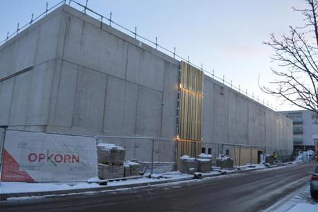 La façade du centre commercial Opkorn accueille un mock-up pour une phase de test. (Photo: Moreno architecture)