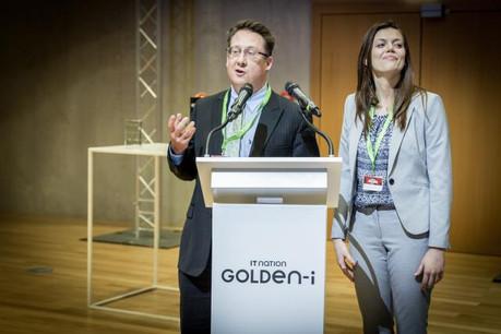 Jed Grant (à gauche) et KYC3 ont reçu le premier Start-up Award de l'Apsi. Ce trophée a été remis en même temps que le traditionnel Flagship attribué à Kneip. (Photo: Maison Moderne)