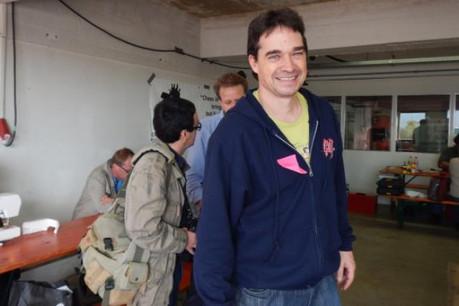 Claude Schergen, au centre lors du Repair Café au Monopol (Photo: DR)