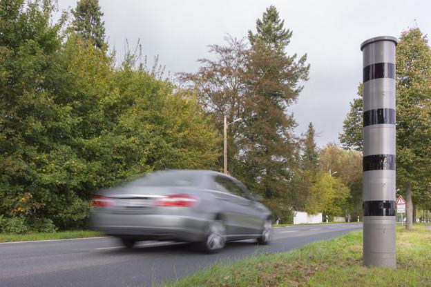 Les caméras du radar identifient la voiture à l'entrée et à la sortie du tronçon. (Photo: Shutterstock)