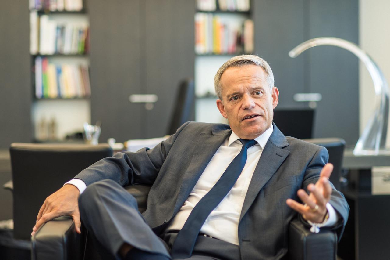 GuyHoffmann, CEO de Raiffeisen, veut faire jouer un rôle à sa banque dans la crise sanitaire actuelle. (Photo: Mike Zenari/archives Paperjam)